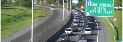 Autopista a La Plata Ataque a vehículos
