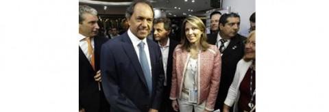 Gobernador Scioli - Isela Costantini presidenta del Coloquio